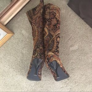 Diba Shoes - DIBA TAPESTRY ZIP UP BOOTS SIZE 9B WORN TWICE